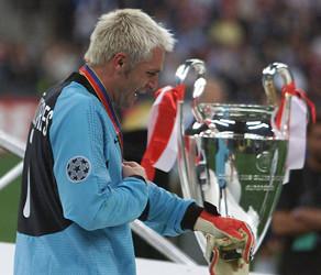 Cañizares no pudo contener las lágrimas tras la segunda derrota consecutiva en la final de la Champions League