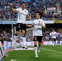 Villa y Silva, las principales estrellas del VCF, son traspasados en el verano de 2010