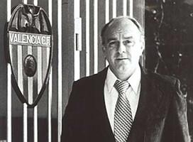Alfredo Di Stefano, el entrenador que llevó al Valencia a ganar su cuarta Liga