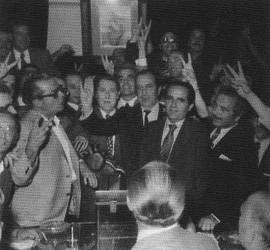 Francisco Ros Casares celebra su victoria en las elecciones a la presidencia del Valencia CF