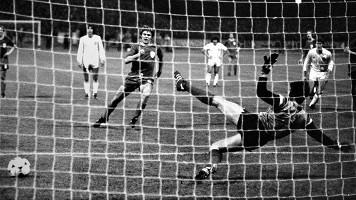 Imagen del penalti que supuso el 2-0 contra el Karl Zeiss Jena