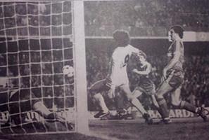 Momento en que Morena consigue el gol del triunfo en la Supercopa de Europa