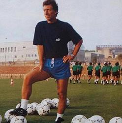 El uruguayo Víctor Espárrago fue contratado como nuevo entrenador del Valencia CF