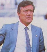 Roberto Gil continuó al frente del Valencia CF toda la temporada