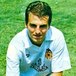 Robert Fernández volvió al Valencia esta temporada