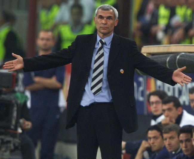 Héctor Cúper llevó al Valencia a dos finales de la Champions League de forma consecutiva